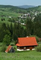 Dedinka v údolí © Jolana Lacková