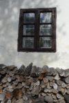 J.Kalapos Pod oknom, za oknom...